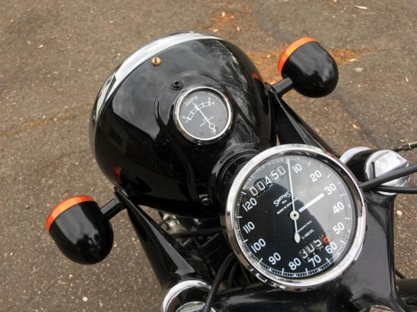 With gloss black the Goffy indicators suit the bike's vibe nicely